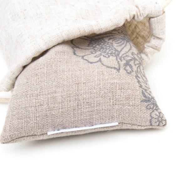All eye pillows by Pure Prana Label come with a pouch