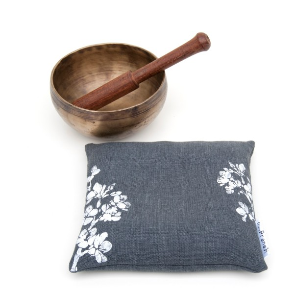 Your singing bowl loves a stable cushion.