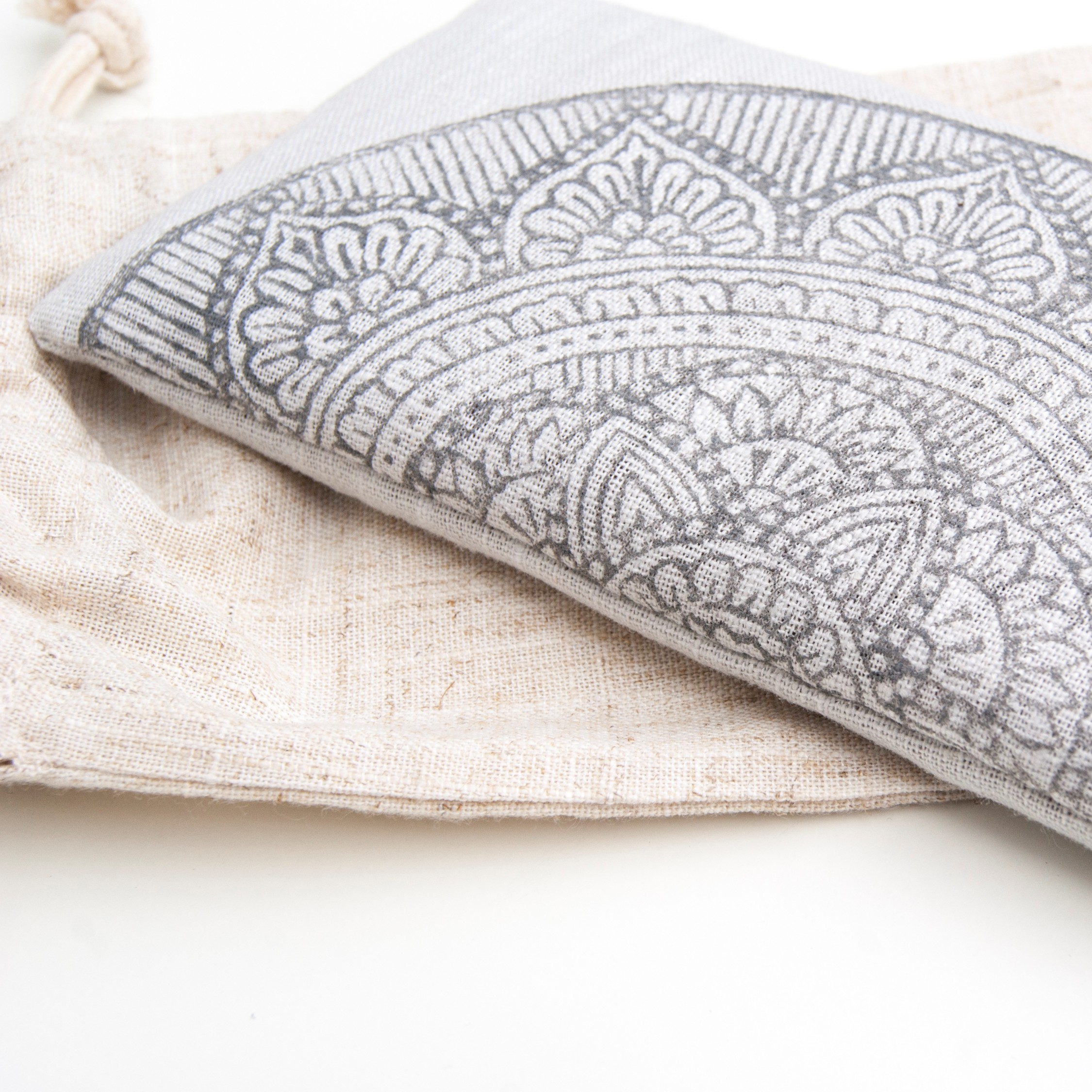 Eye pillow Mandala in light gray, 100% non toxic flax linen by Pure Prana Label