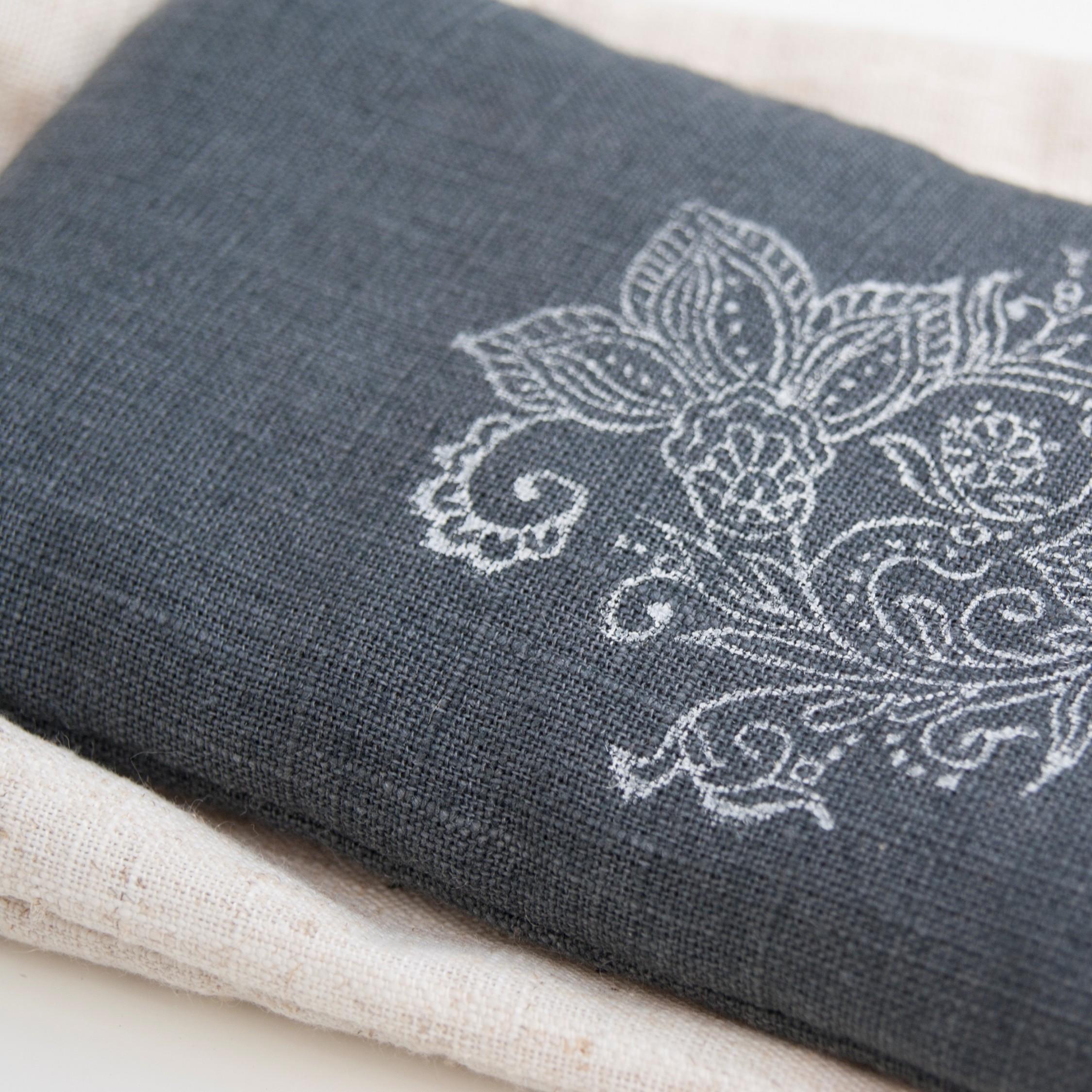 Yoga eye pillow in dark gray linen