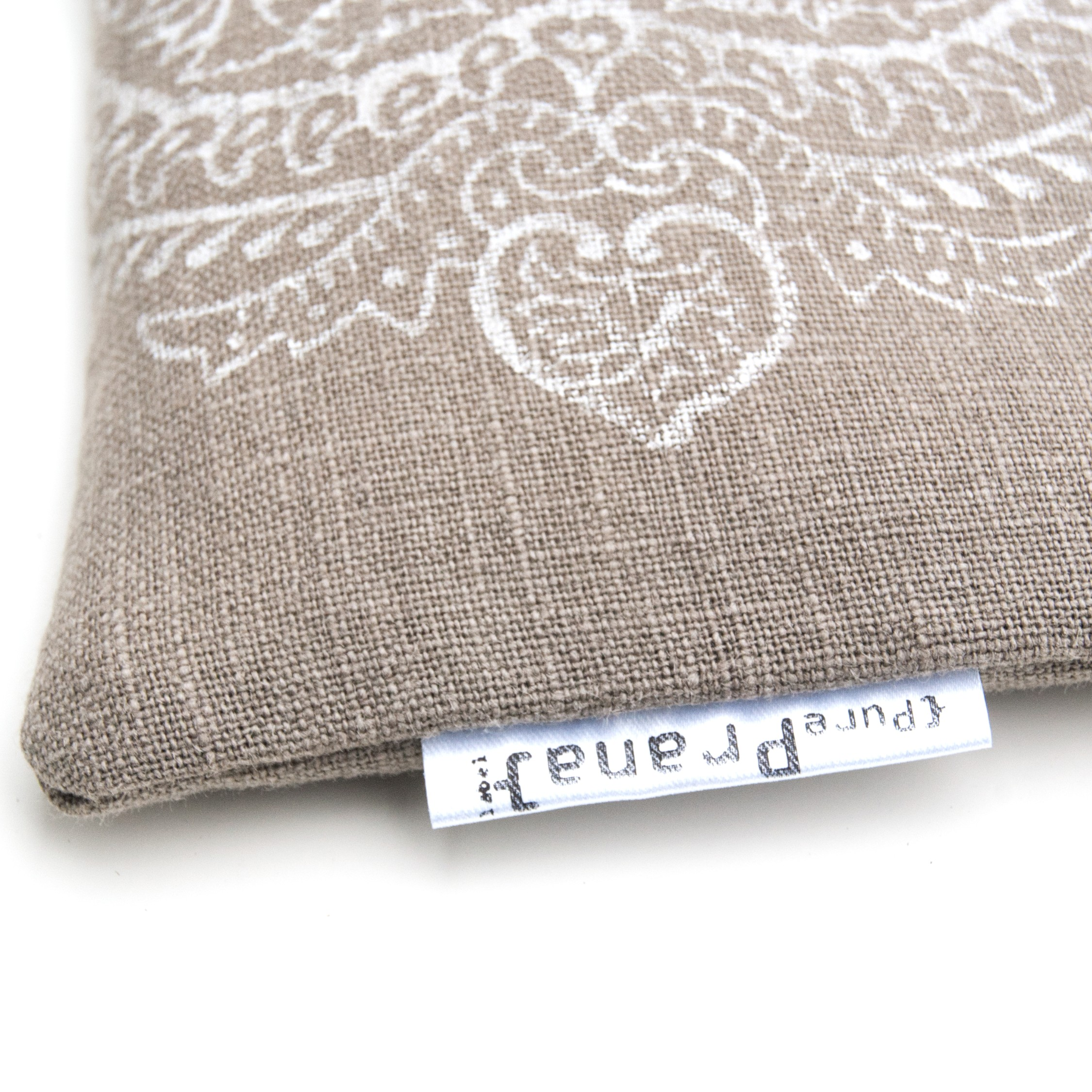 Close up eye pillow Pure Prana Label