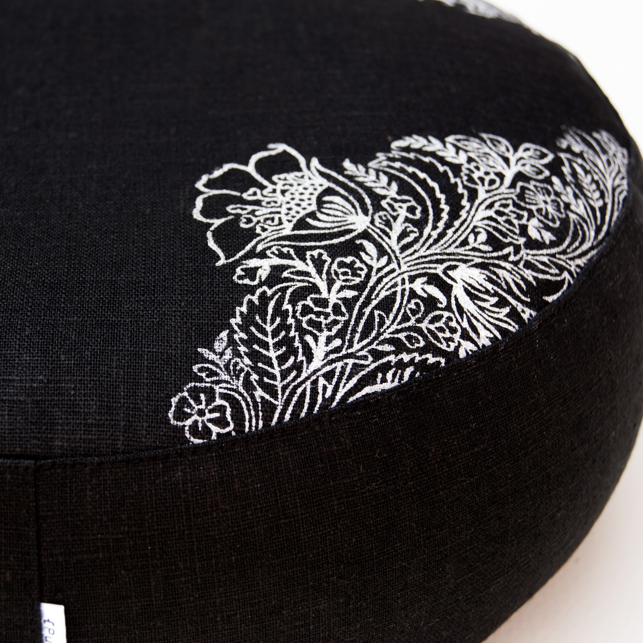 Detailed print on the flax linen meditation cushion